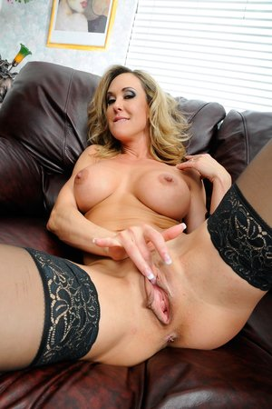 Free Huge Tits Spreading Porn